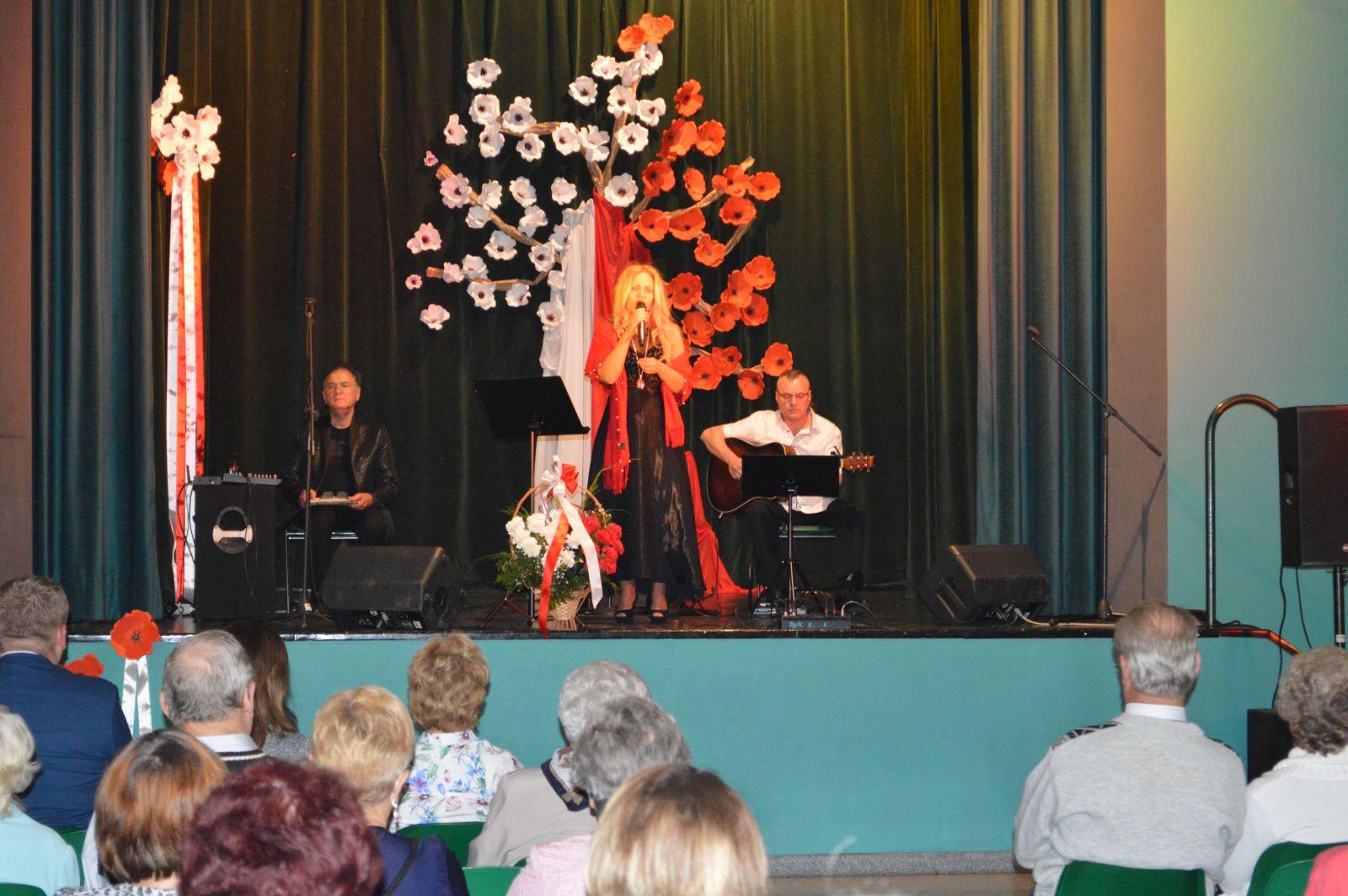 Koncert Pieśni Patriotycznych w MBP-CK na 100-lecie niepodległości