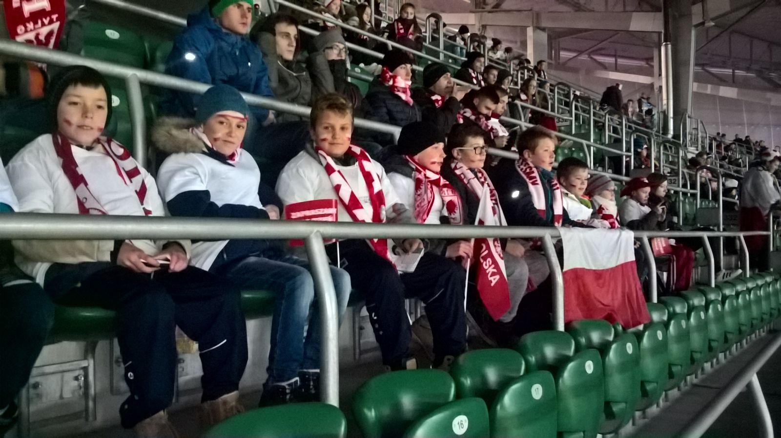 Uczniowie na meczu Polska-Słowenia
