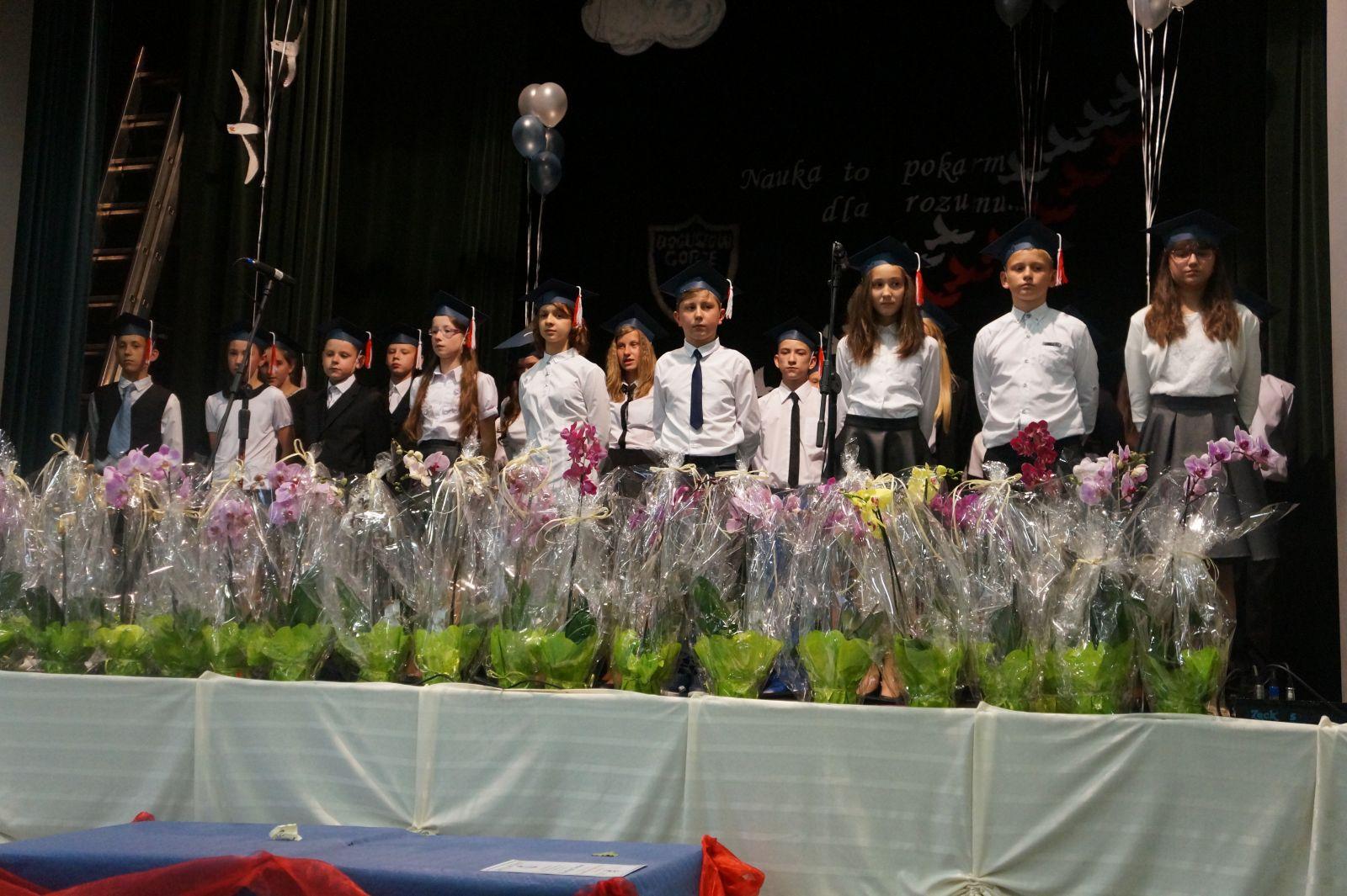 Pożegnanie absolwentów PSP 6
