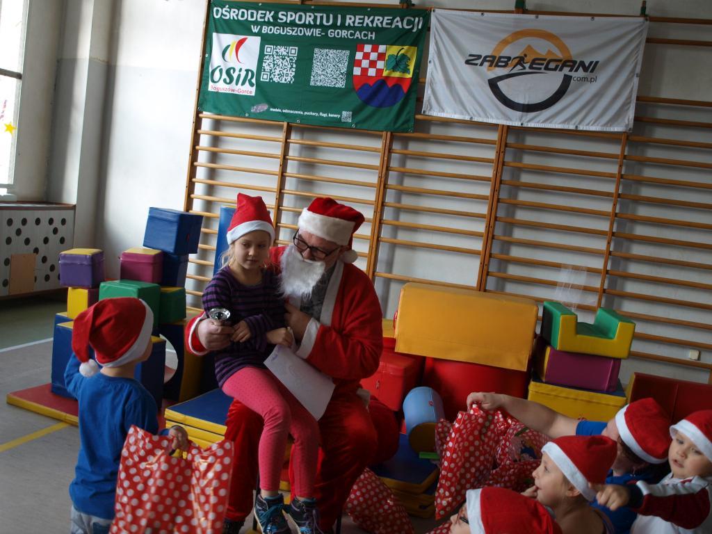 Sportowy Mikołaj dzieciom
