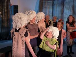 Łazienkowe gnomy - najnowszy spektakl teatrzyku Trele Morele