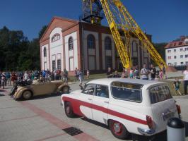 Zabytkowe auta na ulicach Boguszowa-Gorc