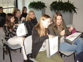 Młodzież z Gimnazjum nr 1 w Wałbrzyskiej Specjalnej Strefie Ekonomicznej