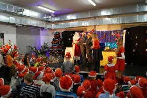 150 małych Mikołajów opanowało Szyb